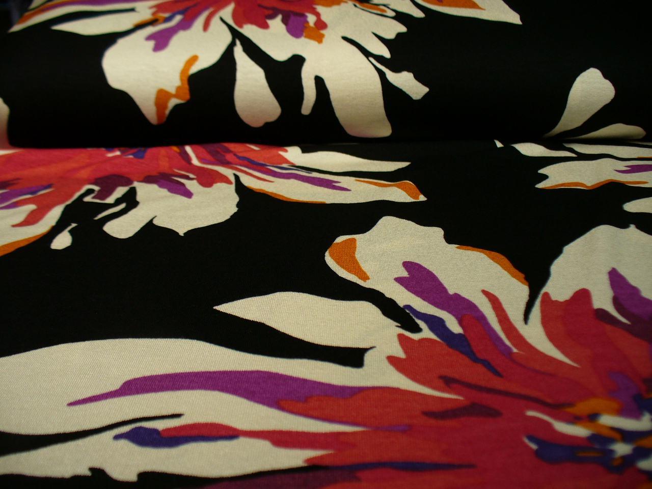 Elastická viskóza s květy /jersey/